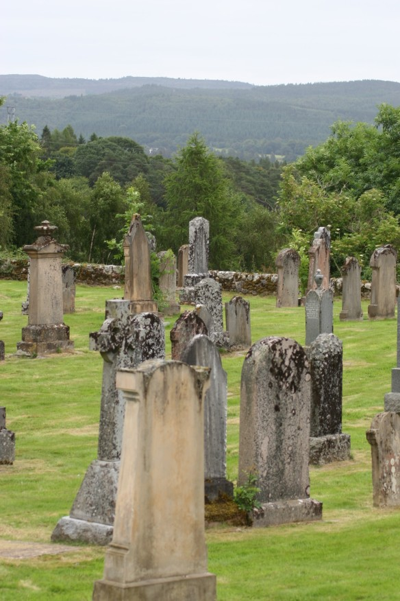 old-kilmorack-cemetery-ii2